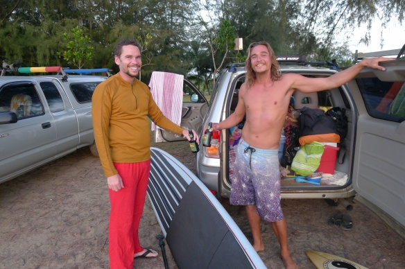 The best of both worlds: stand-up paddling and surfing, on one board
