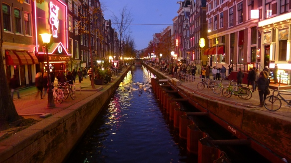 Unfortunately you're not allowed to take photos of the juiciest bits in the Red Light District; but then again WordPress would probably give us an X-rating if we posted those, so here's a nice view of a canal