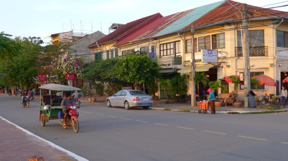 It's hard to describe Kampot's chilled and relaxed vibe. Guidebooks describe its architecture as French colonial while the locals swear it's old Chinese shopfront-style; either way it's lovely especially in the evening